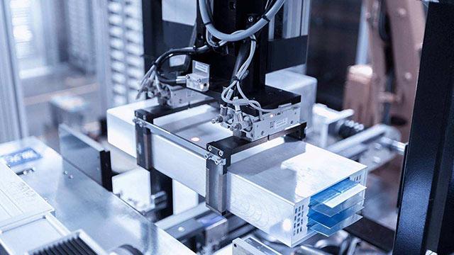 华科星 | 锂电池方型卷绕恒线速控制解决方案